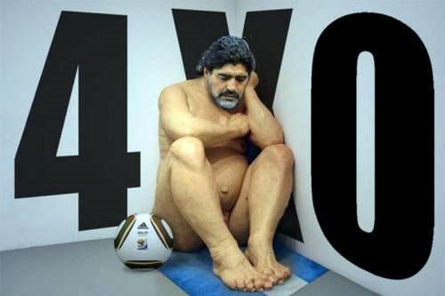 Foto-montagem sobre escultura hiper-realista do australiano Ron Mueck