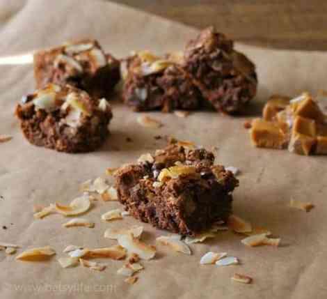 caramel-coconut-brownies