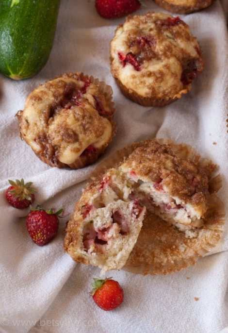 Strawberry Zucchini Muffins | Betsylife.com