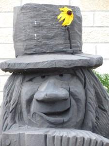 Acordian Troll Closeup