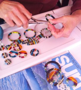 Making-surfboard-resin-earrings-FB