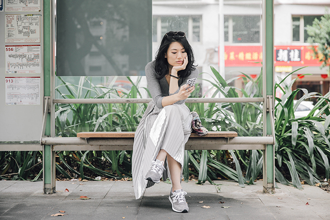 new balance-長裙、球鞋組合