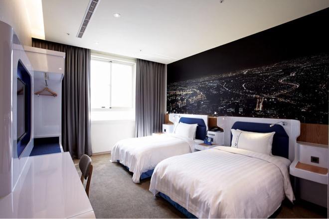 hotelscombined 台中旅遊 草悟道 精品旅館 藝文行草綠園道