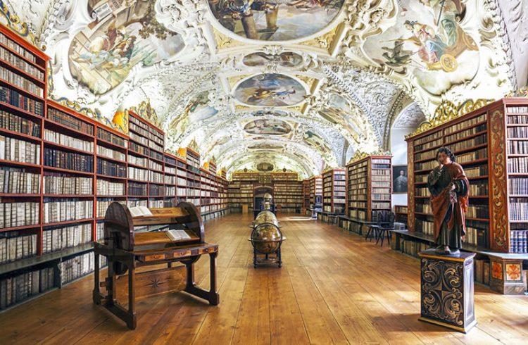捷克斯特拉霍夫圖書館
