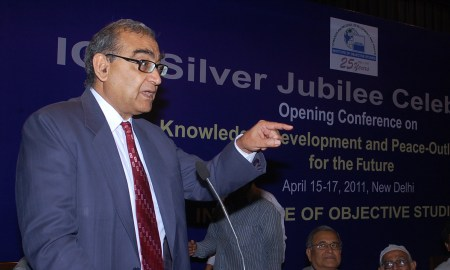 Justice Markandey Katju addressing the gathering at Silver Jubilee Celebration of Institute of Objective Studies (IOS) in New Delhi. (Photo source: IndianMuslim Observer)