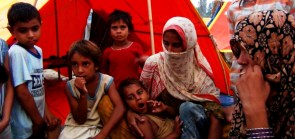 """Blanket of Hope"" Initiative for Muzaffarnagar Riots Victims"