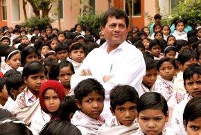 डॉ. अच्युत सामंत : जिन्होंने बदला आदिवासी बच्चों का जीवन