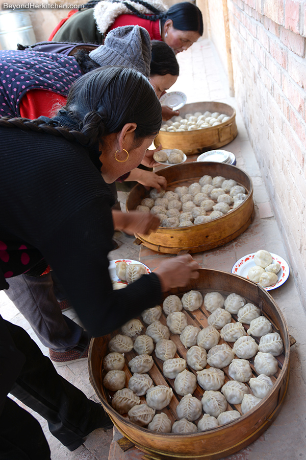 Yak-meat dumplings, Tibetan cooks, Tibetan food