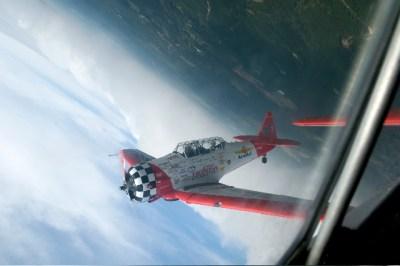 AeroShell performing barrel maneuver. Bob Farley/f8photo.org
