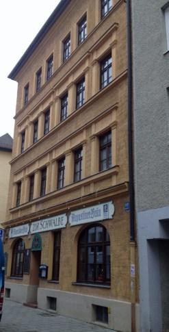 auc39fenansicht-augustiner-zur-schwalbe