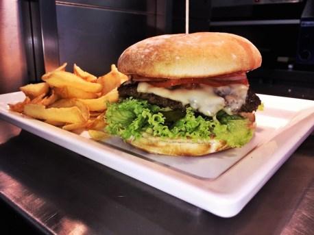 Meat in Bun - Burgerladen - Kapuzinerstraße - 1