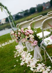 outside-wedding-chair-decor