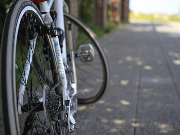クロスバイクの後輪から異音が!? …その原因はどこに?