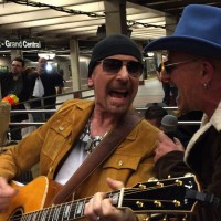 U2 Busks in NYC Subway in Disguise