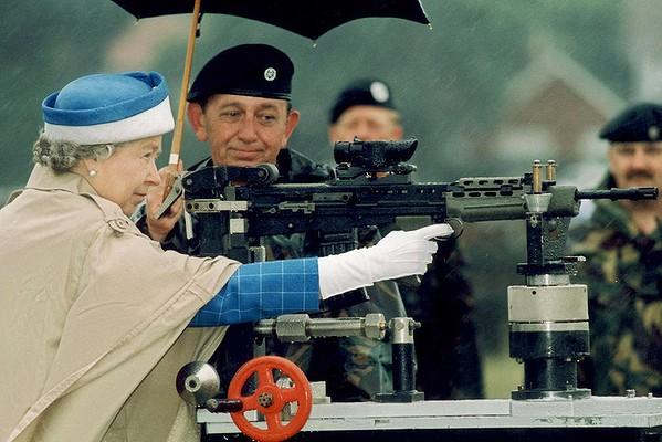 queen-shooting-bisley-1993