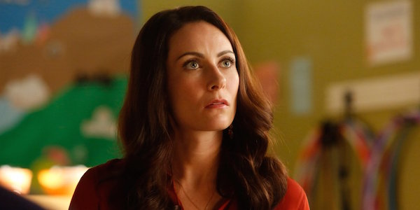 Nashville Actress Laura Benanti Casted As Supergirl Character