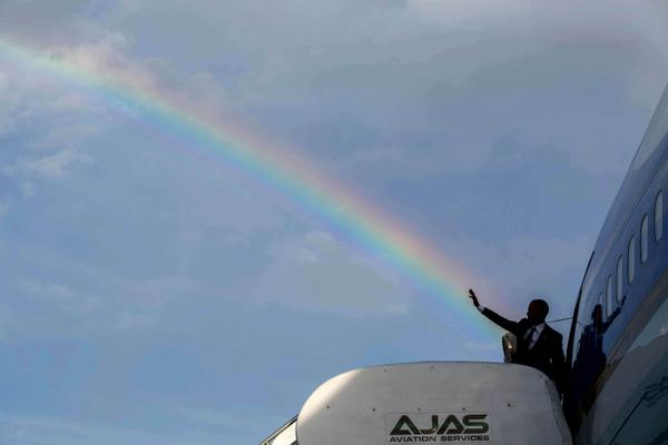 Obama Shoots Rainbow From His Hand, Confirms Homosexual Chemtrail Agenda for America