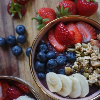 Acai Bowl with Homemade Quinoa Granola