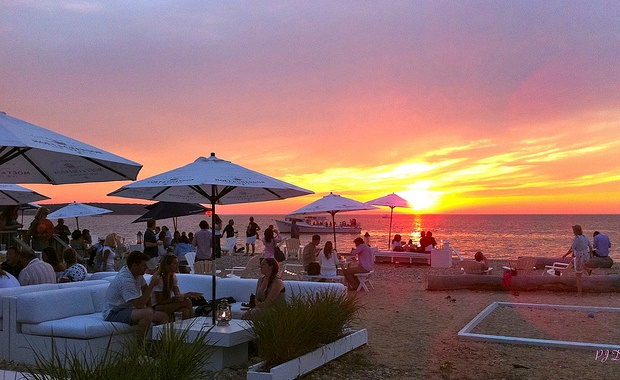 Navy Beach Restaurant, Montauk