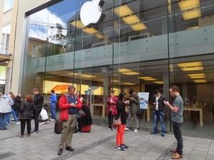 leeching Apple wifi