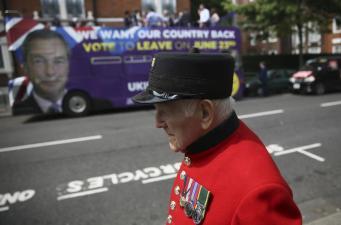 Brexit Veteran Brit Double Decker Campaign