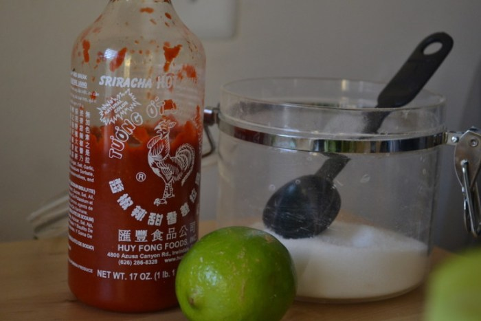A sweet and hot sauce for Chicken Rice Meatballs. Full recipe on BigTasteTinySpace.com
