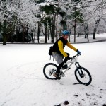 News Cycle: Unknown cyclist, UCSC bike library, Oregon's new law, Snow cycling & more