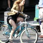 Kate Hudson can ride a bike as she well pleases...