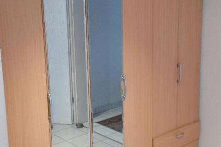 schlafzimmer spiegelschrank mit beleuchtung in pullach