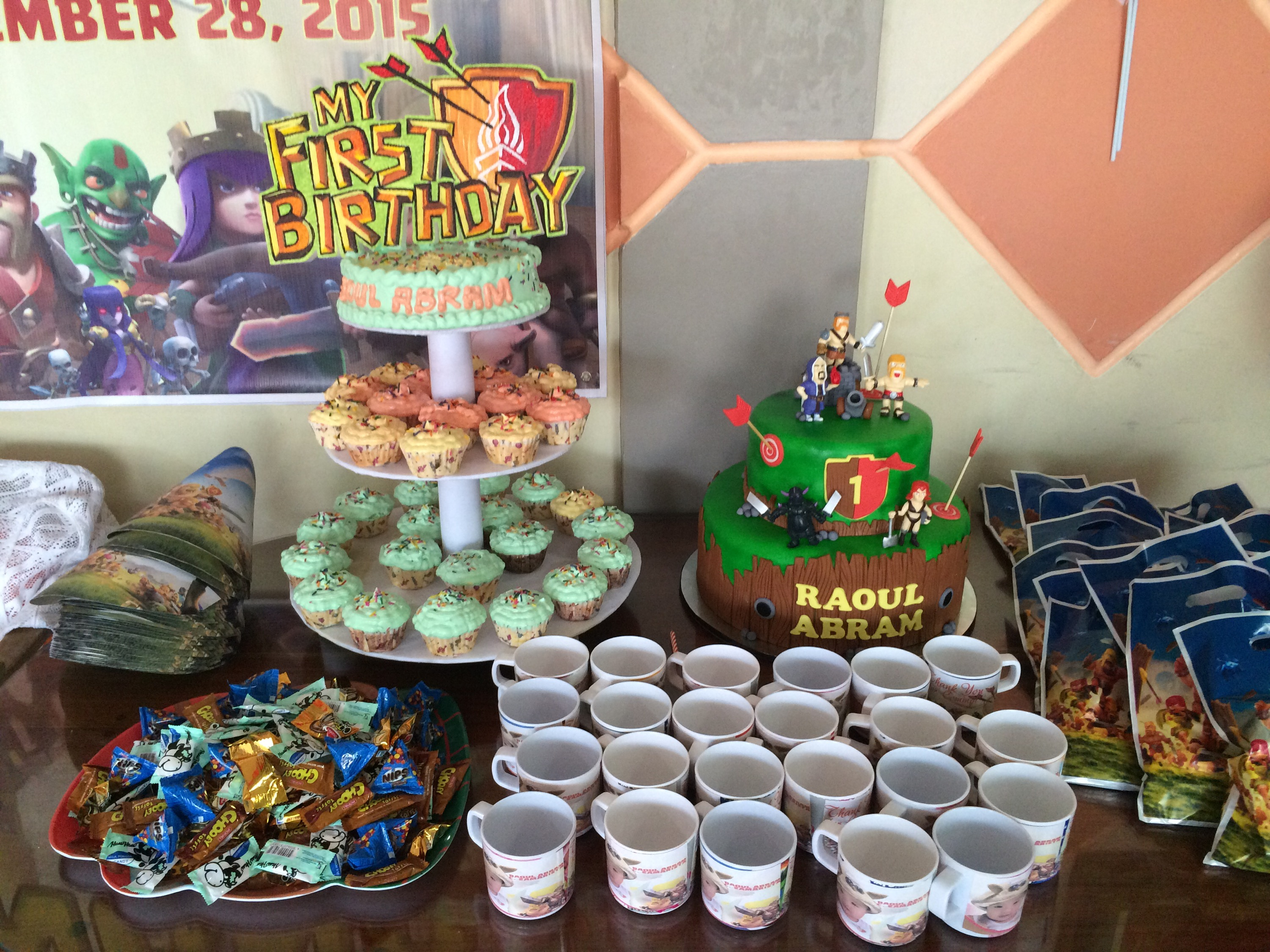 Distinctive Cupcakes By Criston Dormitel Tiered Cake By Bake Art Hats Clans Med Bilogang Pisngi Clash Souvenir Cups By My Zandro Kaarawan A Clash Cupcakes Cupcakes Host Nailed It Clash nice food Clash Of The Cupcakes