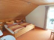 Schlafzimmer mit Südostbalkon