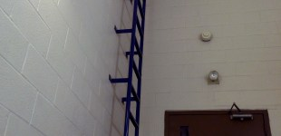 The ladder to the roof. Click to enlarge.