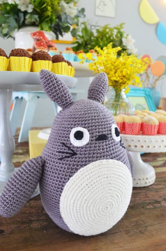 Colorful-Totoro-Birthday-Party-Crochet-Stuffy