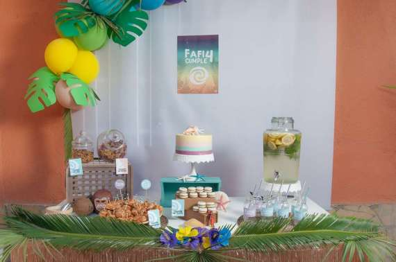 Moana-Tropical-Birthday-Party-Dessert-Table