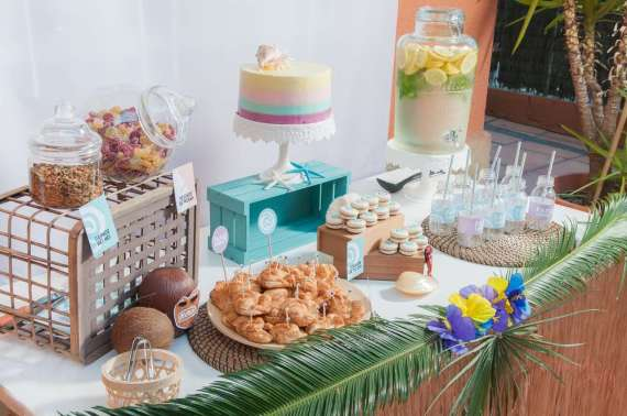 Moana-Tropical-Birthday-Party-Snack-Table