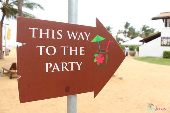 Tropical-Summer-Beach-Party-Arrow-Sign