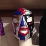 あ、そろそろインフルエンザの季節ですね。美容師のマスク問題ってのが話題です。