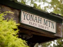 Yonah Mountain elevation sign