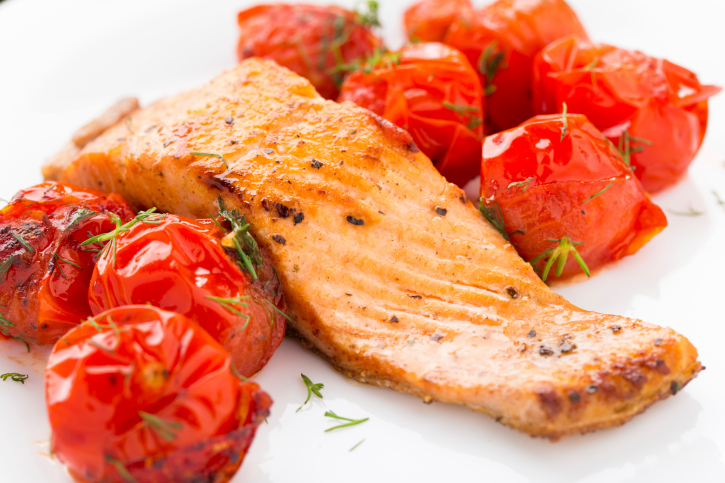 Salmon with roasted tomatoes
