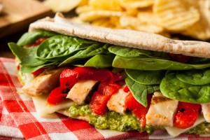 healthy grilled chicken pesto sandwich
