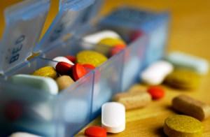 Pill containter