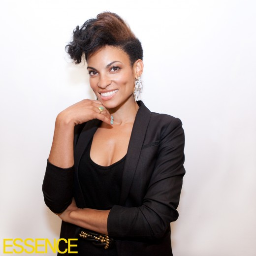 goapele-stops-by-essence-for-a-special-visitphoto-by-michael-rowe_520x520_49