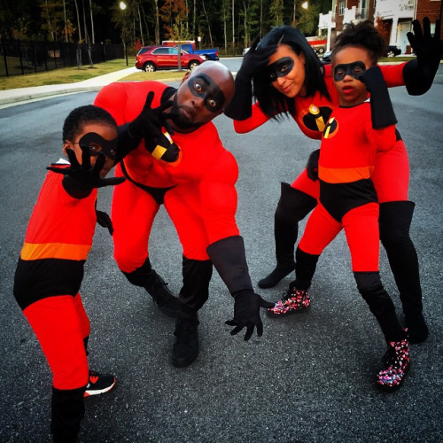 10 Photos of Black Families Cosplaying That Won Our Hearts