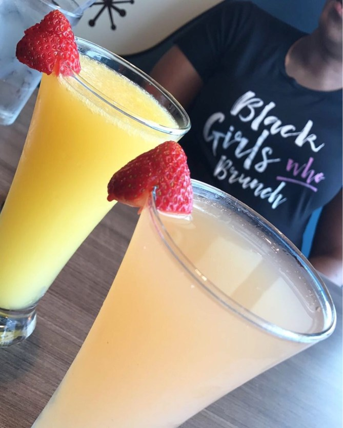 Peach Bellini and the Palomimosa breakfast cocktails!