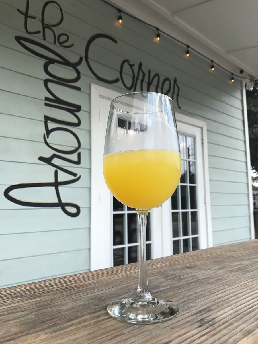 Brunch-At-Around-The-Corner-Mimosa