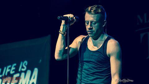 1280px-Macklemore_The_Heist_Tour_1