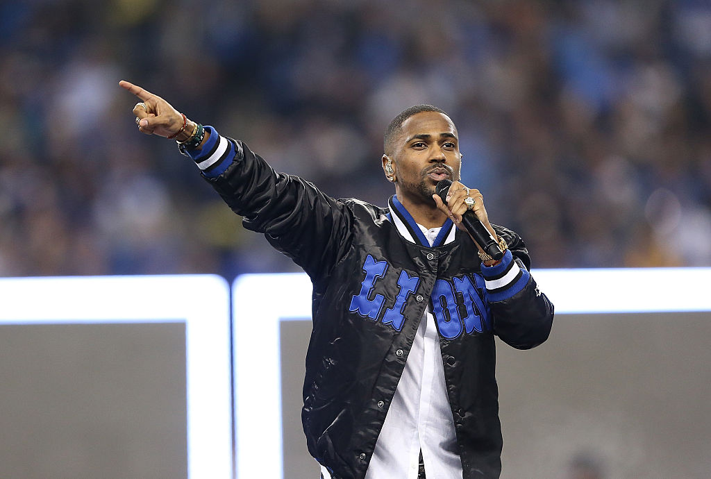 DETROIT MI - NOVEMBER 26: Big Sean performs during the half time show of the Detroit Lions vs. Philadelphia Eagles Thanksgiving Day Game on November 26, 2015 at Ford Field in Detroit, Michigan. The Lions defeated the Eagles 45-14.