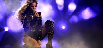 """PASADENA, CA - MAY 14:  Entertainer Beyonce performs onstage during """"The Formation World Tour"""" at the Rose Bowl on May 14, 2016 in Pasadena, California."""