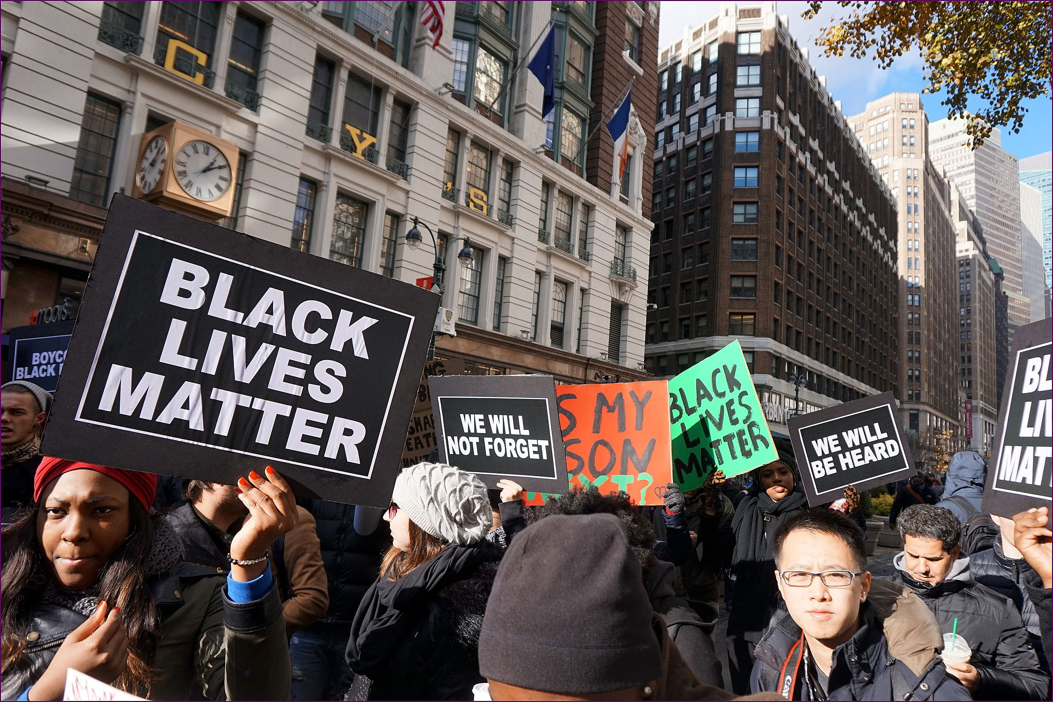 By The All-Nite Images from NY, NY, USA (Black Lives Matter Black Friday) [CC BY-SA 2.0 (http://creativecommons.org/licenses/by-sa/2.0)], via Wikimedia Commons