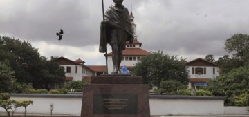 gandhi-statue